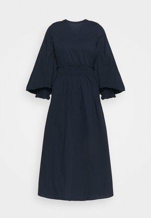 VMAPRIL CALF DRESS - Sukienka letnia - navy blazer