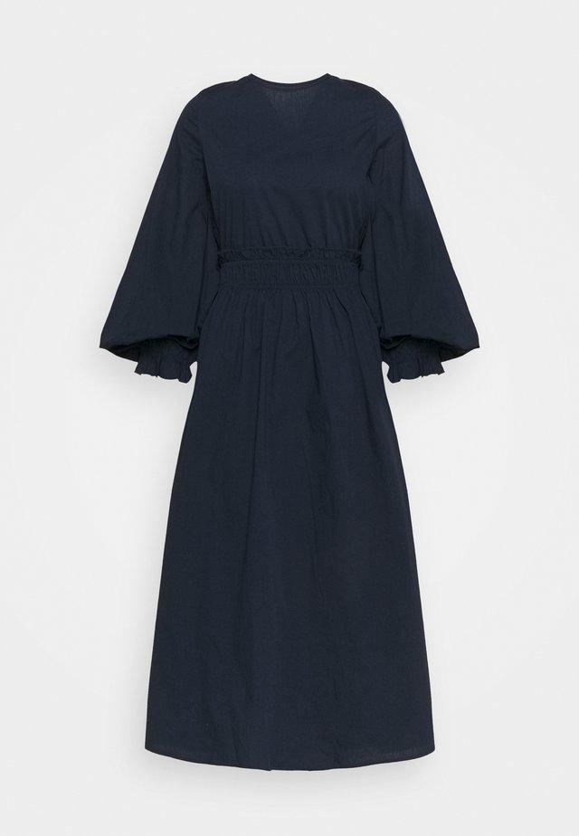 VMAPRIL CALF DRESS - Day dress - navy blazer