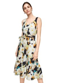 comma - MIT ALLOVER-PRINT - Day dress - navy faded flower - 6
