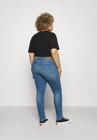 Tommy Hilfiger Curve - FLEX HARLEM - Slim fit jeans - izzy - 2