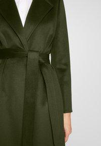 MAX&Co. - LONGRUN - Zimní kabát - khaki green - 7