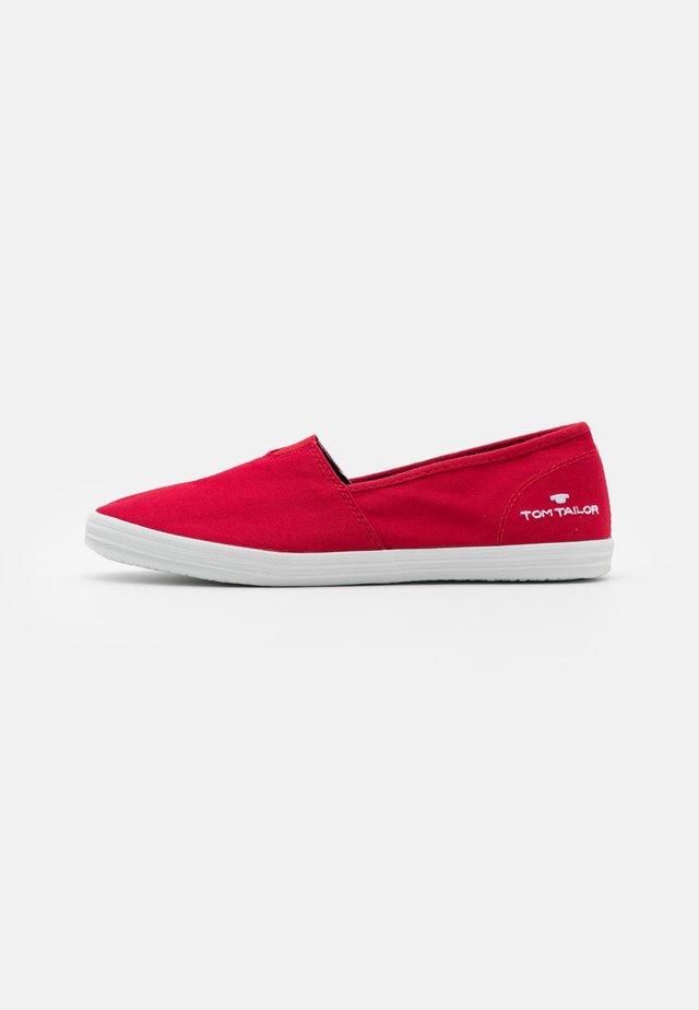 Mocassins - red