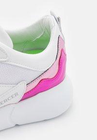 Mercer Amsterdam - Baskets basses - white/pink - 6