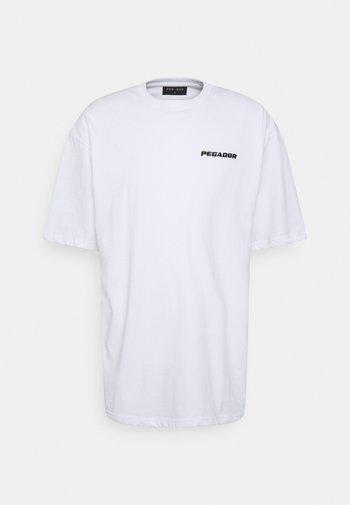 LOGO OVERSIZED TEE UNISEX - Jednoduché triko - white