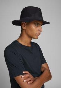 Jack & Jones - Hat - black - 0