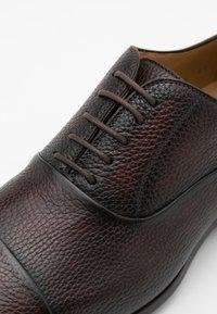 Magnanni - AUSTIN  - Smart lace-ups - rugoarcade marron - 3