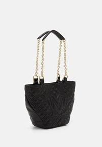 Love Moschino - QUILTED SOFT - Handbag - nero - 2