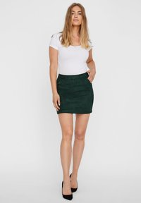 Vero Moda - VMDONNA DINA - Pencil skirt - pine grove - 1
