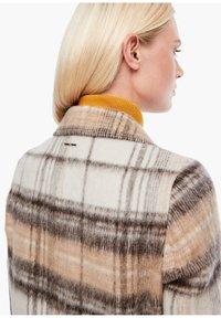 s.Oliver - MIT KAROMUSTER - Short coat - brown check - 3