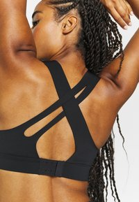 Sweaty Betty - ALL TRAIN SPORTS BRA - Sportovní podprsenka - black - 4