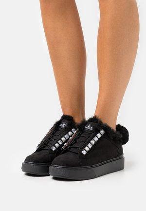 HAYA - Trainers - black