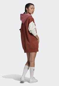 adidas Originals - HOODED DRESS CB - Hoodie - multicolor - 2