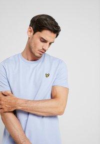 Lyle & Scott - T-shirt basic - blue smoke - 3