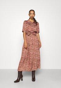 Lily & Lionel - HEATHER DRESS - Skjortekjole - astor olive - 0