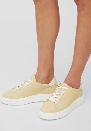 CORA  - Sneaker low - light yellow
