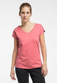 Haglöfs - FUNKTIONSSHIRT CAMP TEE - Basic T-shirt - rusty pink - 0