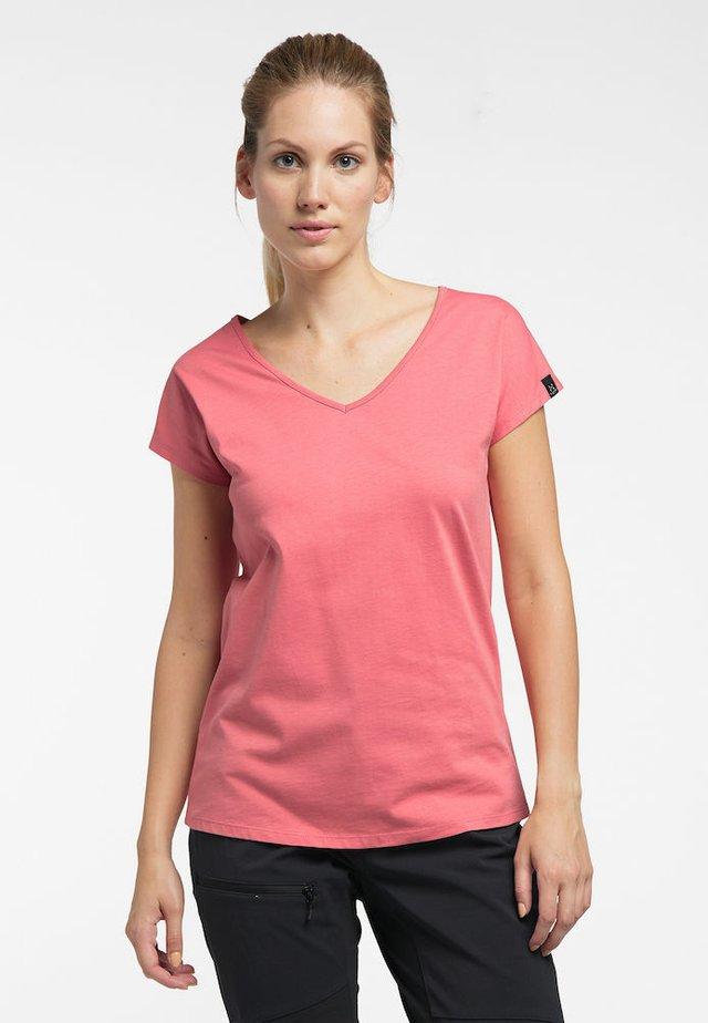 CAMP TEE - Basic T-shirt - rusty pink