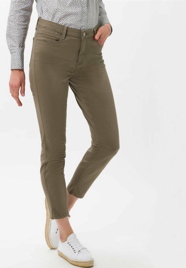 SHAKIRA  - Jeans slim fit - khaki