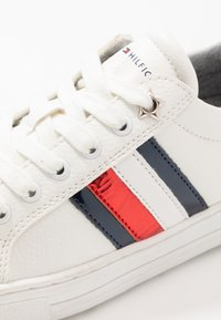 Tommy Hilfiger - Sneakers laag - white - 5