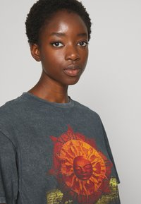 Topshop - PINK FLOYD TEE - T-Shirt print - black - 3