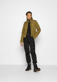 Vero Moda - VMSIMONE  - Lett jakke - fir green - 1