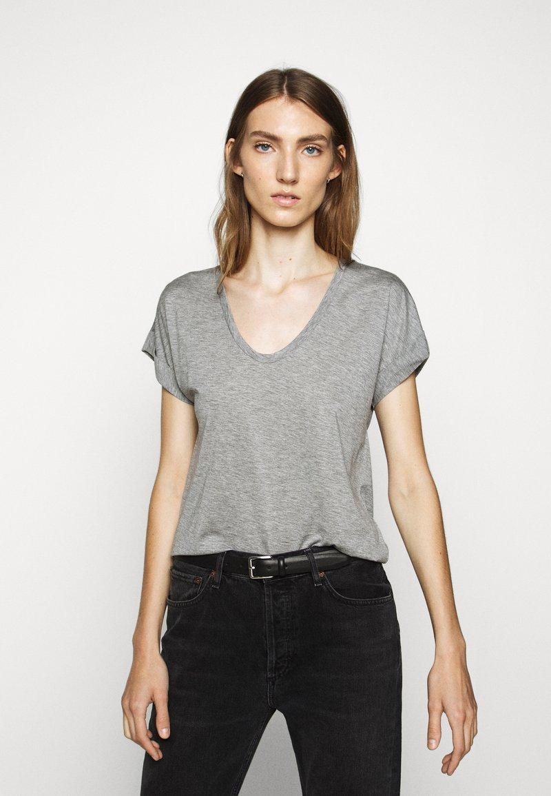 CLOSED - WOMEN´S - Basic T-shirt - grey heather melange