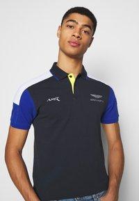 Hackett Aston Martin Racing - BLOCK PANEL - Polo shirt - navy/white - 3