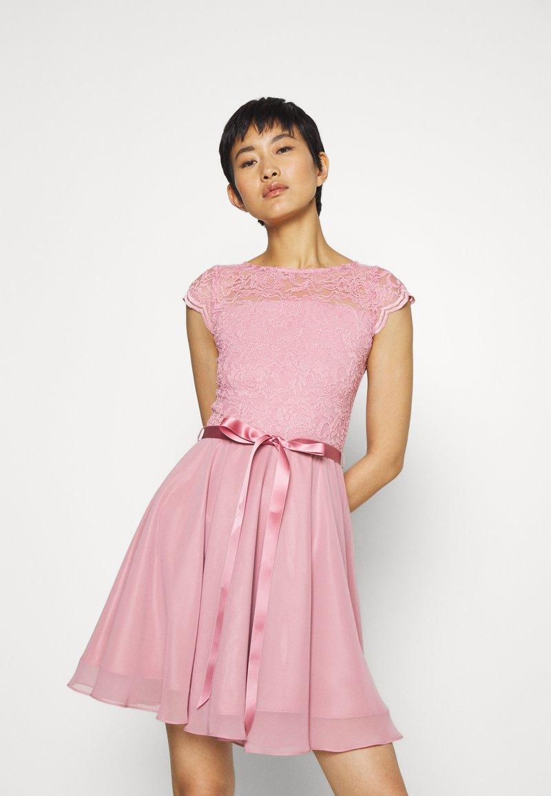 Swing - Koktejlové šaty/ šaty na párty - cherry blossom