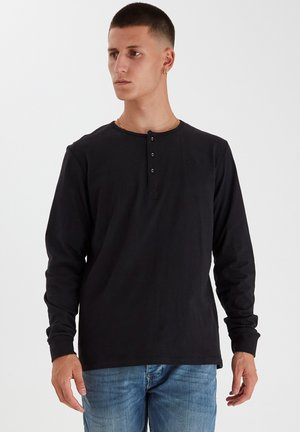 REGULAR FIT - Langærmede T-shirts - black