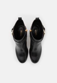 MICHAEL Michael Kors - ALDRIDGE BOOTIE - Stivaletti con tacco - black/brown - 4