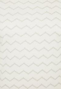 Ragwear Plus - CHEVRON - T-shirt con stampa - off white - 2