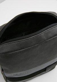 Strellson - SHOULDERBAG - Borsa a tracolla - dark grey - 6