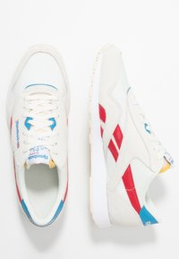 Reebok Classic - NYLON LIGHTWEIGHT RUBBER OUTSOLE SHOES - Trainers - chalk/scarlet/cyan/white - 1