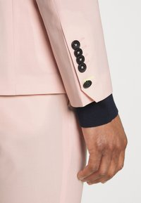 Twisted Tailor - SALSBURY SUIT - Kostym - pale dogwood - 8