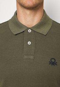 Benetton - SLIM - Polo shirt - dark green - 4