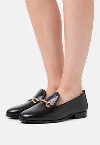 Unisa - DOLFI - Slippers - black - 0