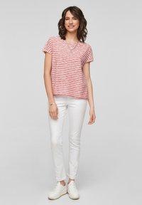 s.Oliver - T-shirt print - red stripes - 1
