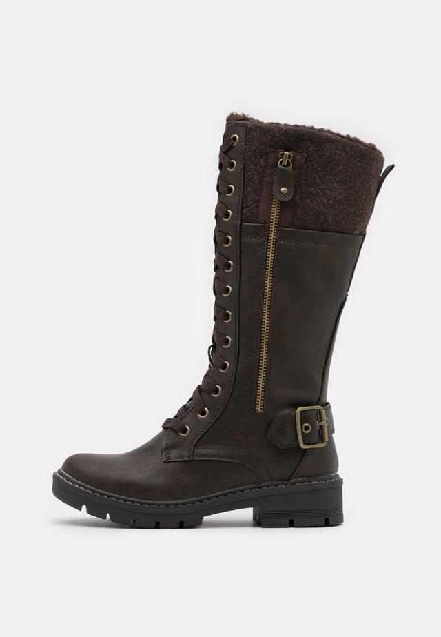 Šněrovací vysoké boty - brown