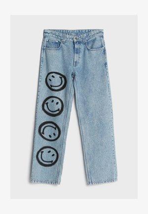 MIT SMILEY-PRINT - Straight leg jeans - blue denim
