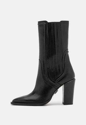 NEW AMERICANA - Boots med høye hæler - black