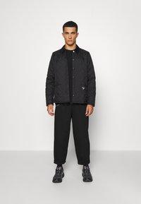 Barbour Beacon - STARLING QUILT - Light jacket - black - 1