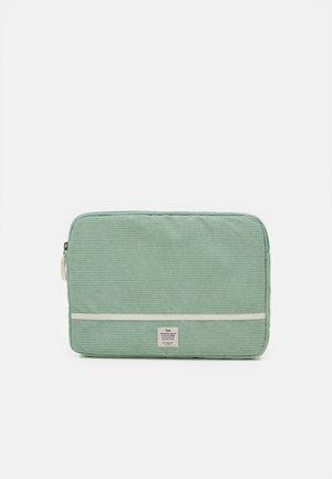 TAKE ME AWAY 13 INCH LAPTOP CASE - Laptop bag - gum leaf