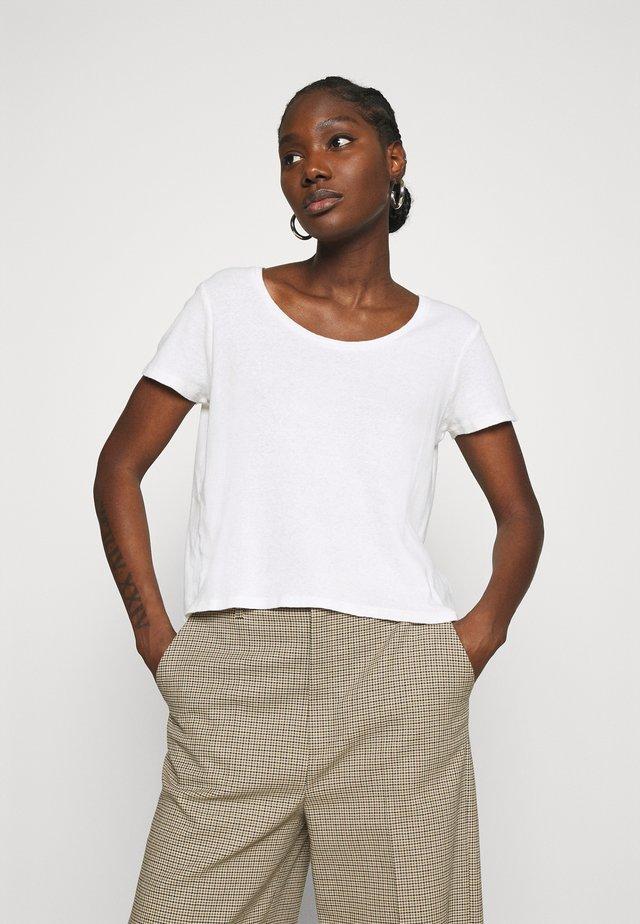GABYSHOO - T-shirt z nadrukiem - blanc