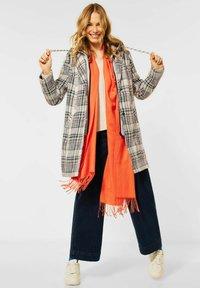Cecil - MIT KAROMUSTER - Classic coat - orange - 1