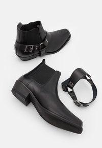 Selected Homme - SLHHENRY BOOT - Botki kowbojki i motocyklowe - black - 5
