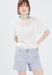 BONOBO Jeans - Print T-shirt - ecru - 3