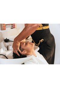 KÉRASTASE - CURL MANIFESTO BAIN HYDRATATION DOUCEUR - Hair treatment - - - 5