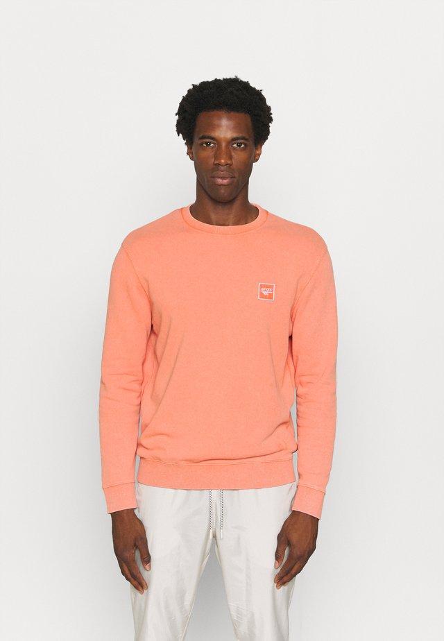 RAGNA - Sweater - arabesque