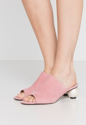 MAEVE - Pantofle na podpatku - siena pink