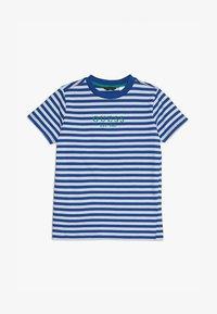 Guess - JUNIOR  - T-shirt z nadrukiem - blue/white - 2